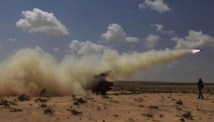كيف استغلت حركة «حماس» الفوضى في ليبيا لتهريب أسلحة إلى غزة؟