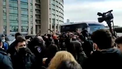 السلطات التركية تعتقل 9 مواطنين بسبب تضامنهم مع طلاب البوسفور