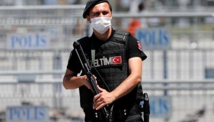 تنظيم عصابي تركي من 46 شخصًا يهرب المخدرات لسوريا بزعم «علاج السرطان»
