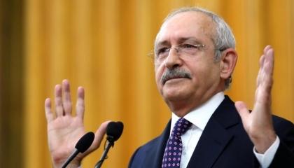 كليتشدار أوغلو يطالب بالإبقاء على المواد الأربع الأولى في الدستور التركي