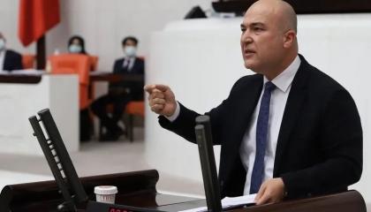 نائب تركي معارض: النظام يُعيد هيكلة الجيش على مقاس وزير الدفاع!