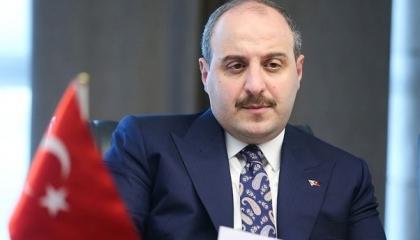 وزير الصناعة التركي يهنئ الإمارات بنجاح مسبار الأمل