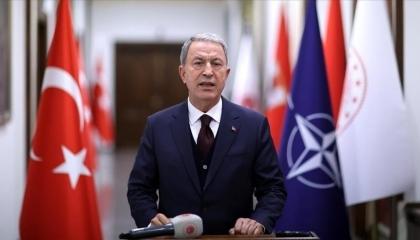 وزير الدفاع التركي يسخر من محاولات التسليح اليونانية: لن تصلوا إلى شيء