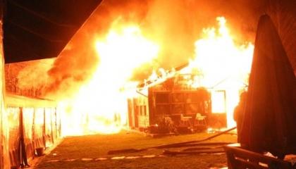 النيران تلتهم كافيتريا بجامعة بوغازيتشي.. والسبب مجهول