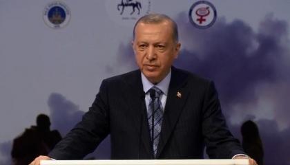 أردوغان: واشنطن تقف جانب الإرهابيين وأوروبا تخلت عن 4 ملايين لاجئ في تركيا