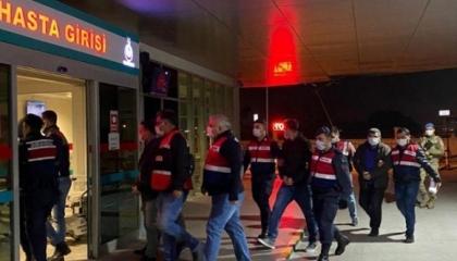 الحكومة التركية تشن حملة اعتقالات واسعة ضد العسكريين في إزمير