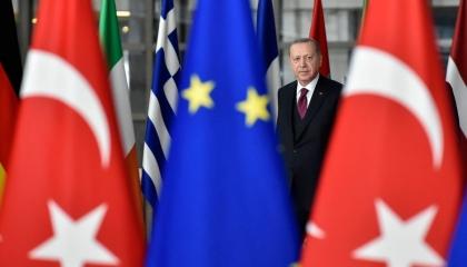 نصف الأتراك لا يقبلون طريقة أردوغان في إدارة البلاد