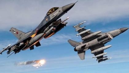تركيا تشن غارات على إقليم كردستان وتقصف جبال قنديل العراقية