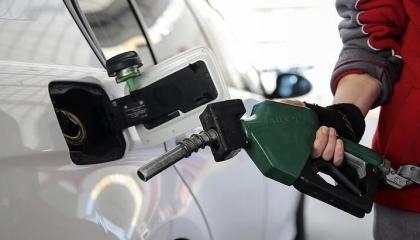 الحكومة التركية تقرر زيادة سعر البنزين 27 قرشًا