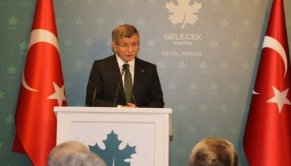 داود أوغلو لأردوغان: انظر إلى طائراتك قبل أن تنصح الشعب بعدم الإسراف