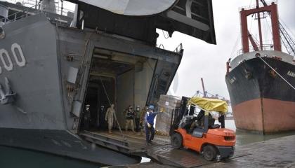 تركيا ترسل 260 طنًا من المساعدات الغذائية إلى لبنان