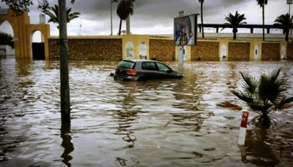 بالفيديو: غرق أحياء تطوان المغربية بسبب الفيضانات