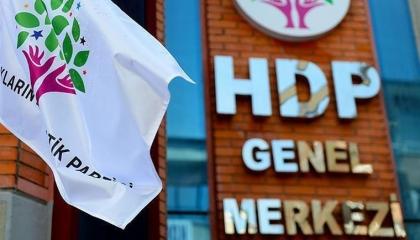 الحرب على الأكراد في تركيا.. الشرطة تعتقل رئيس بلدية وسائقه بتهمة الإرهاب
