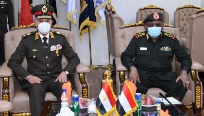 القوات المسلحة المصرية: تعزيز التعاون العسكرى والأمنى بين القاهرة والخرطوم
