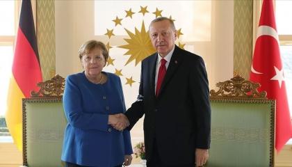 «من أجل السوريين».. أردوغان يطالب أوروبا بدعم تركيا ماليًا وتقنيًا!