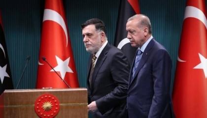 تفاصيل لأول مرة.. ماذا تعرف عن ورطة السراج وميليشيات أردوغان؟