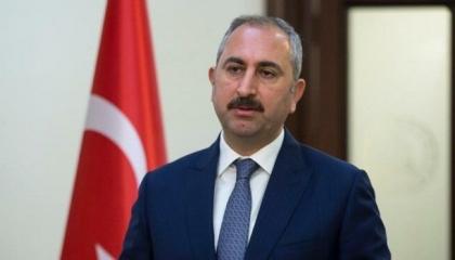 وزير العدل التركي يمدح دستوره: أهم إرث لأطفالنا!