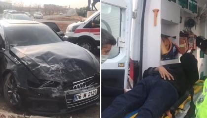 صور: موكب سيارات رئاسة حزب الخير التركي يتعرض لحادث تصادم وإصابة 4 أشخاص