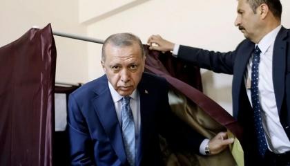بعد وصفه بالمُحتل.. أردوغان يطالب بايدن بالدفاع عن موقف أنقرة في سوريا