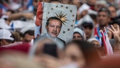 أردوغان يخسر شعبيته.. الأتراك يتراجعون عن تأييد حزب العدالة والتنمية