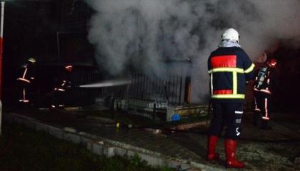 تركي يضرم النار في منزله بعد خلاف مع زوجته بمدينة صقاريا