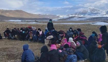 السلطات التركية تضبط 59 مهاجرًا غير شرعي حاولوا التسلل إلى إيران