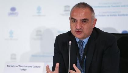 وزير السياحة التركي يعلن تدابير جديدة لاستقبال السياح الأجانب