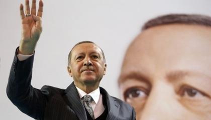 «مستقبل إشارة رابعة» يثير تساؤلات الكتاب الأتراك