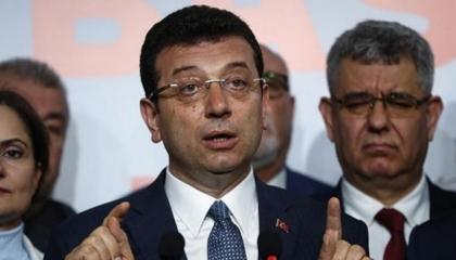 قضاء تركيا يعاقب خصم أردوغان الأبرز