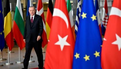 مصادر لرويترز: الاتحاد الأوروبي يجمد مخطط عقوبات على مؤسسة البترول التركية