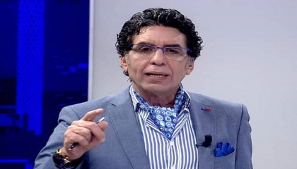 بالفيديو.. الإخواني محمد ناصر يخطط للهرب من تركيا: نتعرض لمضايقات