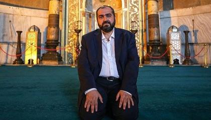 كبير آئمة مسجد «آيا صوفيا» يبرر قرارات أردوغان بخفض أسعار الفائدة