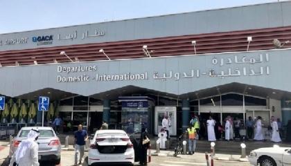 الحوثيون يعلنون استهداف مطار أبها في السعودية بطائرة مسيرة