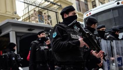 تركيا تعتقل 25 عسكريًا من أصل 93 في عملية ضد «جولن»