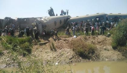 اصطدام قطارين في مركز طهطا بمحافظة سوهاج المصرية