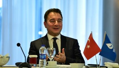 وزير تركي سابق لأردوغان: اعتذر للأمة ولا تتدخل في أعمال البنك المركزي