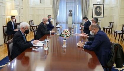 السفير التركي بأثينا يبحث مع وزير خارجية اليونان العلاقات الثنائية