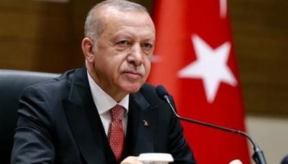 أردوغان ورئيس المجلس السيادي السوداني يبحثان العلاقات بين البلدين