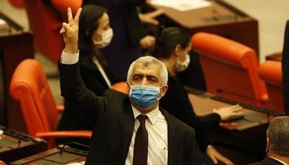هاشتاج «لا يمكنكم اعتقال نائب الشعب» يتصدر «تويتر» تركيا