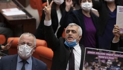 المدعي العام التركي يبرر اعتقال برلماني معارض من منزله: لم يسلم نفسه طواعية
