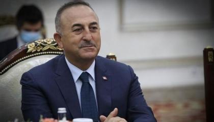 للمطالبة برفع العقوبات على بلاده.. وزير الخارجية التركي يهاتف نظيره الكندي