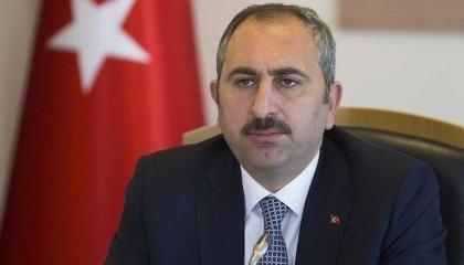 وزير العدل التركي يرد على منتقدي اعتقال أميرالات البحرية: لن تتراجع