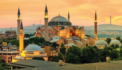 هاشتاج «آيا صوفيا» يتصدر تويتر في تركيا بعد استقالة إمام الجامع