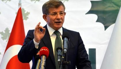 داود أوغلو يحمل حزب أردوغان مسؤولية تفشي وباء كورونا في تركيا