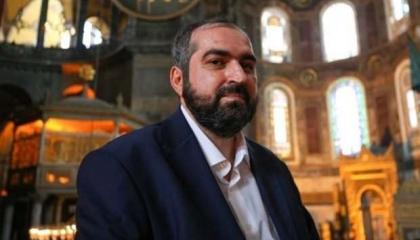 بعد أيام من استقالته.. إمام «آيا صوفيا» السابق يعلن إصابته بكورونا