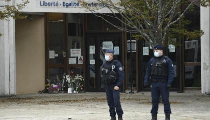 مقتل شخص وإصابة آخر في هجوم إرهابي بالعاصمة باريس