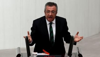 نائب تركي يكشف إهدار الرئاسة ملايين الليرات في شراء سيارات مرسيدس جديدة