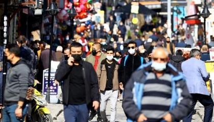 تركيا تسجل أكثر من 63 ألف إصابة بكورونا والوفيات ترتفع إلى 35320 حالة