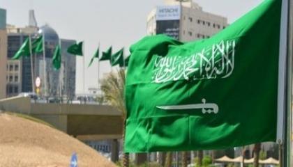 حملات توعية في السعودية مع توافد زوار الحرمين الشريفين لأداء العمرة