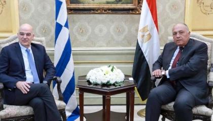 وزير الخارجية المصري يستقبل نظيره اليوناني في القاهرة